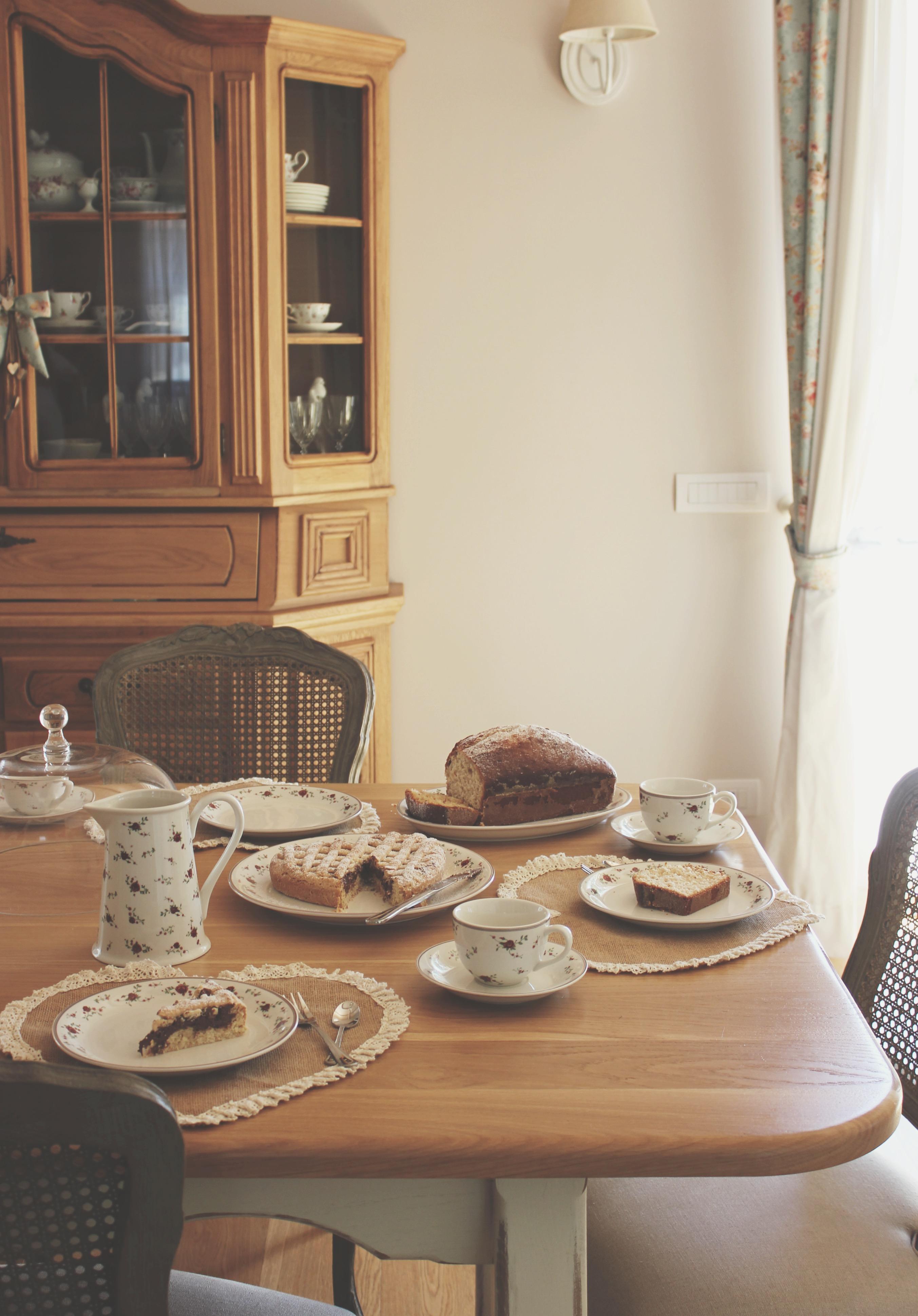 Una colazione tra amiche  (ricetta del plum cake e della