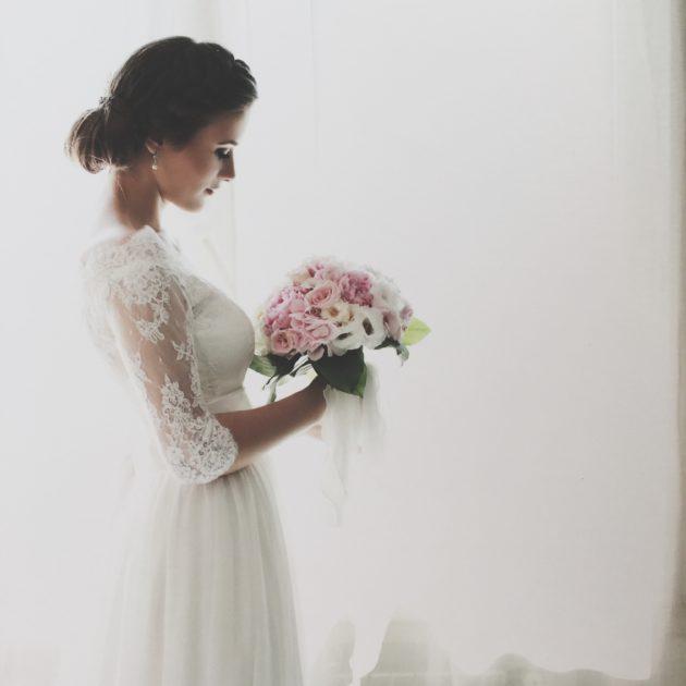 Solo un'indecisa cronica come me potrebbe prenotare due abiti da sposa.