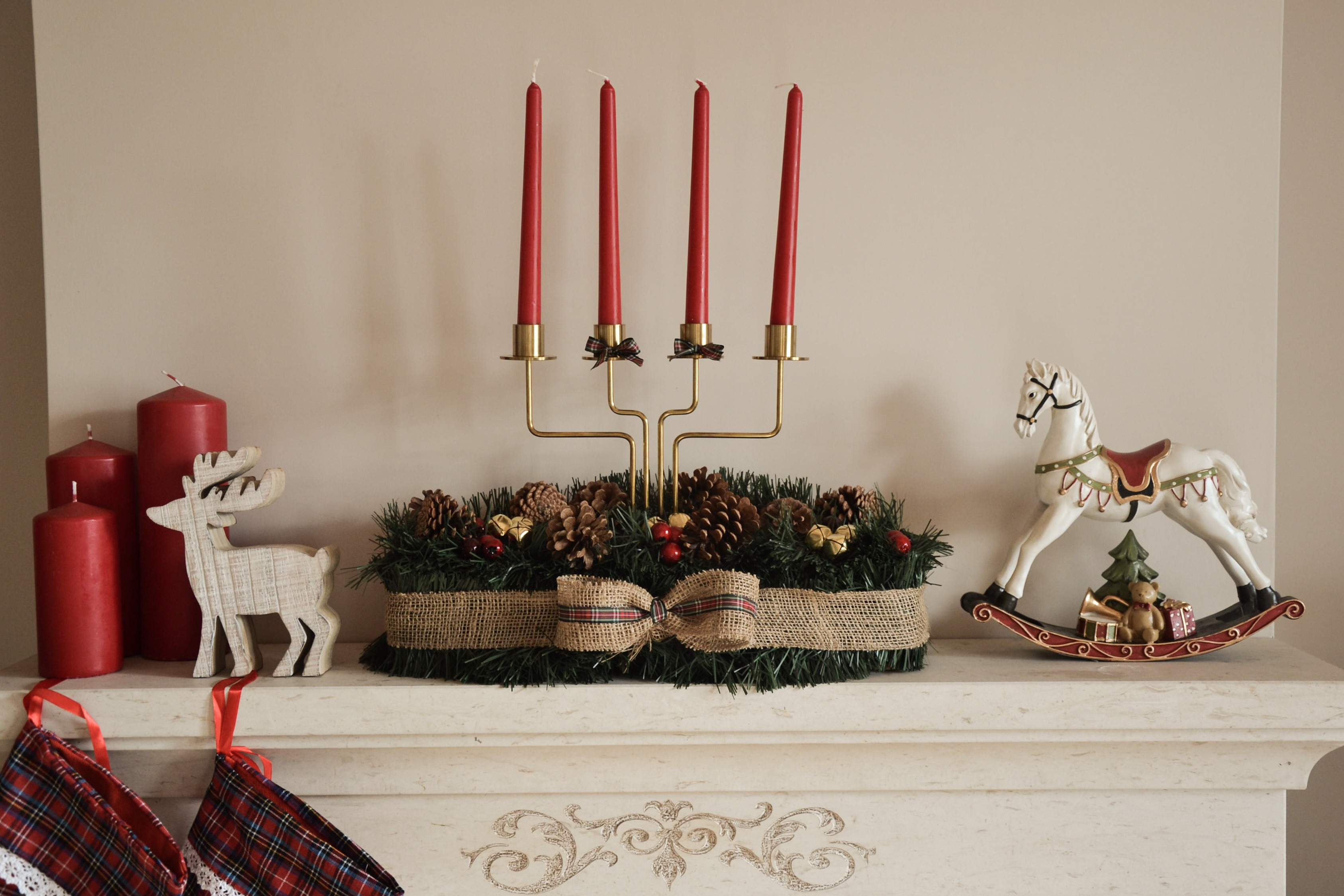 Realizziamo insieme un centro tavola natalizio  – Alessandra