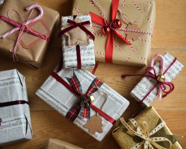 Come decorare i pacchetti natalizi. Idee e spunti.